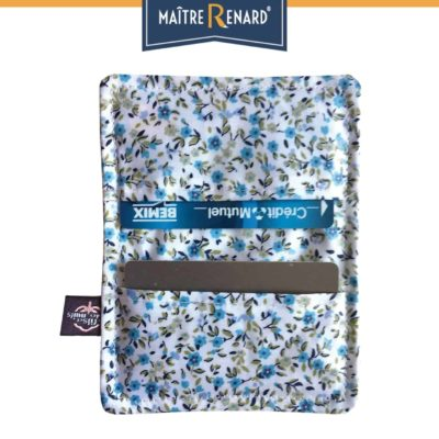 porte-carte-liberty-bleu-en-coton-enduit-min